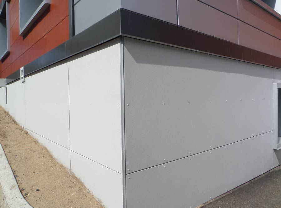 Cladding on the foundation of the hospital